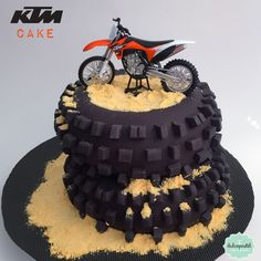Discover recipes, home ideas, style inspiration and other ideas to try. Motorcycle Birthday Cakes, Motorcycle Cake, Steampunk Motorcycle, Dirt Bike Birthday, Motorcycle Workshop, Tracker Motorcycle, Motorcycle Adventure, Futuristic Motorcycle, Scrambler Motorcycle