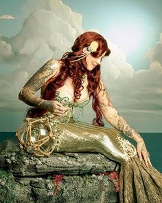 Beautiful steampunk mermaid.  Two wonderful things in one!  I found this on the Steampunk FB page.