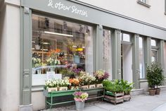 "& Other Stories on Twitter: ""Our flower pop-up shops are still on this weekend. Pass by our store in Mitte Berlin, Germany or Copenhagen, Denmark… Pop Up Shops, Floral Style, Floral Design, Bridesmaid Dresses, Wedding Dresses, Us Store, News Design, Twitter, Flowers"