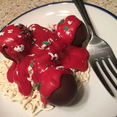 spaghetti and meatball cake pops