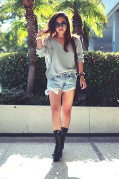 Black boots, casual look