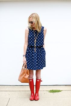 69 Ideas For Red Hunter Boats Outfit Spring Polka Dots Red Hunter Boots, Hunter Boots Outfit, Timberland Style, Timberland Fashion, Stunning Summer, Fashionable Snow Boots, Boating Outfit, Spring Outfits, Rain Outfits