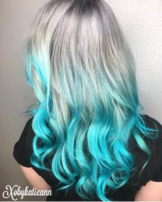 Electric Turquoise and Silver color melt by @xobykatieann #hotonbeauty @hothairvids
