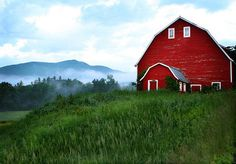 I love red barns!