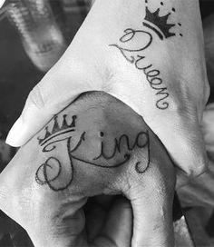 Die schönsten Partner Tattoo Ideen: King and Queen of Hearts