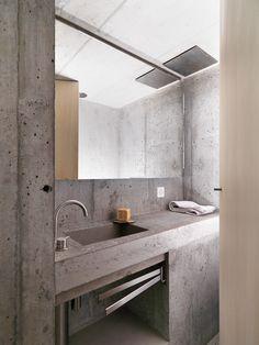 Modern bathroom inspiration bycocoon.com | raw concrete sink | bathroom design products | inox stainless steel bathroom taps & fittings | renovations | interior design | villa design | hotel design | Dutch Designer Brand COCOON