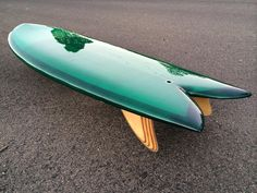 Awesome surfboard by Maren! Great shape, beautiful glass work and nice fins!