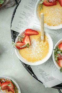 3 Ingredient KETO Custard (Very Easy) - KetoConnect Keto Dessert Easy, Dessert Recipes, Keto Desserts, Egg Custard Recipes, Keto Pudding, Low Carb Deserts, Keto Food List, Keto Foods, Easy Food To Make