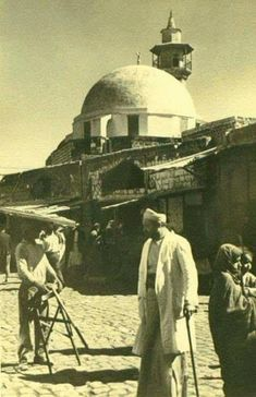 The city of Tabarya (Tiberias), in Palestine circa 1940 Palestine History, History Of Islam, Once Upon A Time, Flower Iphone Wallpaper, Rare Historical Photos, Palestinian Embroidery, Old Egypt, Indian Architecture, Islamic Art