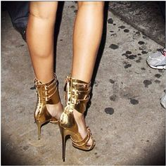Rihanna's shoes these are gorgeous!!!! Photo by badgalriri