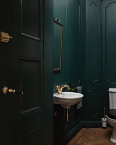 Home Interior Simple Just love wooden floors in bathrooms and powder rooms. This picture by is taken in the powder room at Apt S. Cheap Wall Decor, Cheap Home Decor, Home Design, Interior Design, Toilet Room, Downstairs Toilet, Beautiful Houses Interior, Stylish Home Decor, French Decor