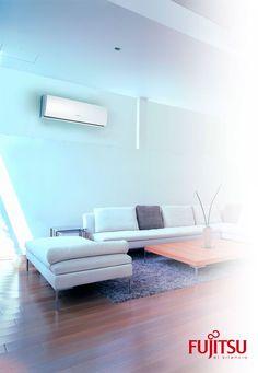 Salón climatizado con aire acondicionado Fujitsu. Aire que acompaña al diseño de tu hogar.