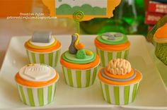 Toppers by Lynlee's Petite Cakes (via Bird's Party Blog)