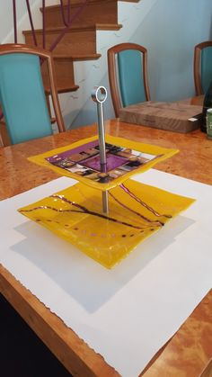 Fused Glass Plates, Fused Glass Jewelry, Glass Dishes, Glass Fusion Ideas, Image Glass, Cake And Cupcake Stand, Kiln Formed Glass, Glass Cakes, Glass Center