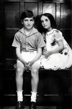 Elizabeth Taylor with her brother, 1930s