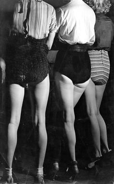 Jambes (Legs) - 1937 - Photo by Brassaï (Hungarian, 1899-1984) - #Mlle