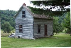This reminds me of my great grandparents farmhouse in Clemmons, which has long since been torn down.