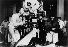 This photo was taken on the set of the film Blade Runner The cinematographer Jordan Cronenweth (left :near the camera) and the actor Harrison Ford (right) can be seen here in this picture Sean Young, Shot Film, Crime Film, Film Blade Runner, Ridley Scott, Harrison Ford, Scene Photo, Film Director, Poster