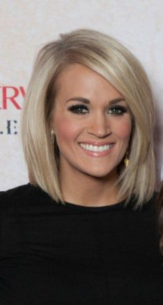 Hair cuts shoulder length ombre colour Ideas for 2019 - New Hair Cut Carrie Underwood Haircut, Carrie Underwood Makeup, Short Hairstyles For Women, Straight Hairstyles, Celebrity Hairstyles, Medium Bob Hairstyles, Haircut Trends 2017, Haircut 2017, Hair Trends