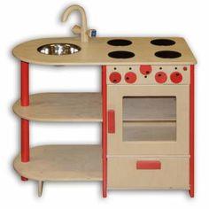 Een houten speelgoed keukentje om mama of papa te helpen in de keuken en later een echte chef kok te worden!