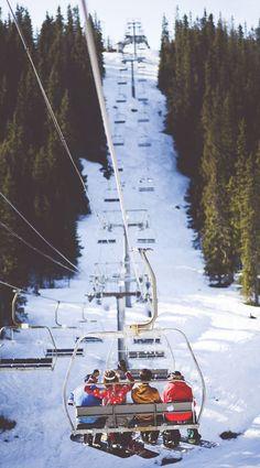 Ski et snowboard pas cher Winter Fun, Winter Sports, Summer Snow, Ski Et Snowboard, Ski Ski, Snowboarding Gear, Chamonix Mont Blanc, Vail Colorado, Skiing Colorado