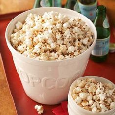 This simple spiced popcorn snack will satisfy your sweet tooth and provide a hearty dose of whole-grains, fiber and antioxidants. Diabetic Recipes For Dinner, Healthy Recipes For Diabetics, Diabetic Desserts, Low Carb Recipes, Diabetic Meals, Diabetes Recipes, Diabetic Cake, Pre Diabetic, Diabetic Living