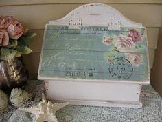 Shabby Chic Mail Box, suporte de letra, titular jornal, caixa de armazenamento de madeira, francês cartão postal, Rosas, Shabby Cottage Decor, SCT