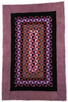 """Quilt Amish """"Triangles"""" Cotton Possibly made in Holmes County, Ohio, United States Circa 173 x 113 Centimeters Pieced, Machine Old Quilts, Amish Quilts, Antique Quilts, Vintage Quilts, Sampler Quilts, Vintage Sewing, Couettes Amish, Amish Quilt Patterns, Gees Bend Quilts"""