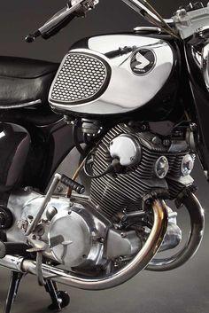 1964 305 honda dream mine doesn t look like this motor bikes 1966 honda ca77 dream close up of the 305cc twin