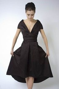 I like the style of this dress - especially the larger cap sleeves & V neck.