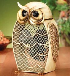 LOVIN this Snow Owl Figurine Fan that u can put on ur beside table or anywhere in ur house!!!! <3