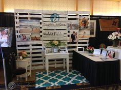 How to build a pallet wall for a wedding expo photography booth