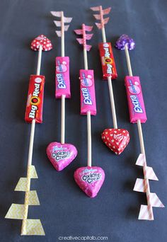 Simple Valentines Gum and Washi Tape Arrows http://hative.com/cute-valentines-day-ideas/