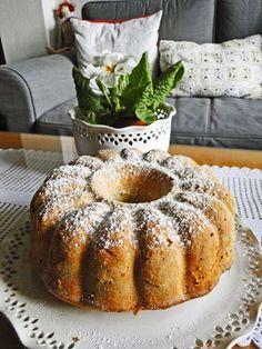 Tohle je opravdu báječná voňavá bábovka na neděli. Recept je asi hodně známý, ale pro připomenutí a inspiraci co upéct k nedělní kávě se tře... Bunt Cakes, Cupcake Cakes, Sweet Desserts, Sweet Recipes, Baking Recipes, Cake Recipes, Eastern European Recipes, Czech Recipes, Sandwich Recipes