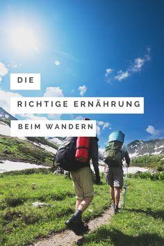 Wandern macht nur Spaß, wenn man genügend Energie hat, den Berg zu erklimmen.   Wir zeigen dir, wie du dich beim Wandern richtig ernähren kannst um dich wohlzufühlen und Energie zu haben. Dieser Ratgeber hilft dir als Hobby-Bergsteiger weiter besser und effektiver zu werden.  #wandern #ernährung #gesundundlecker #bergsteigen