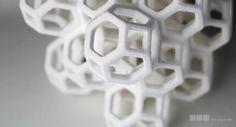 A partir de la idea de crear una tarta para una amiga en su periodo universitario sin disponer de un horno, decidieron comenzar a diseñar fascinantes estructuras de azúcar en 3D, y así surgió The Sugar Lab. #TheSugarLab