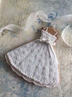 ideas for bridal shower cake dress sugar cookies Fancy Cookies, Iced Cookies, Cute Cookies, Royal Icing Cookies, Cookies Et Biscuits, Cupcake Cookies, Sugar Cookies, Wedding Dress Cookies, Wedding Shower Cookies