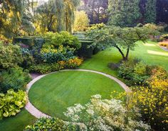 Love how the circular lawn is highlighted by the path. Circular Garden Design, Circular Lawn, Small Garden Design, Back Gardens, Small Gardens, Outdoor Gardens, Back Garden Landscaping, Backyard Ideas For Small Yards, Garden Architecture