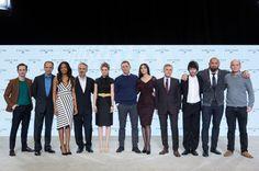 Ralph Fiennes, Monica Bellucci, Sam Mendes, Daniel Craig, Naomie Harris, Andrew Scott, Christoph Waltz, Ben Whishaw, Dave Bautista, Rory Kinnear and Léa Seydoux at event of Spectre (2015)