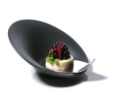 Grant Achatz graduated from the CIA in 1994. He is the owner and Executive Chef of Alinea Restaurant.