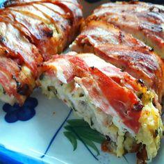 Egyszerű sajtos csirkemell őzgerincben sütve Fitness Diet, Lasagna, Sushi, Bacon, Paleo, Lunch, Breakfast, Ethnic Recipes, Kitchen