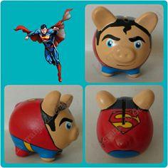 Superman Superman, Pig Bank, Personalized Piggy Bank, Paper Mache Crafts, Budget Organization, Money Bank, Pasta Flexible, Childrens Party, Mini