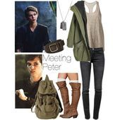 Peter is rumpels dad on the inside but on the outside he is peter pan! This outfit is perfect for hiking and camping. Peter Pan Outfit, Once Upon A Time, Disneybound Outfits, Disney Themed Outfits, Fandom Fashion, Nerd Fashion, Disney Fashion, Estilo Disney, Character Inspired Outfits