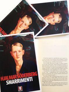 Hjalmar Söderberg esordisce nel 1895 con #Smarrimenti. Del 1905 è la seconda edizione. Lo pubblicammo per la prima volta in Italia nel 1993. Siamo nel 2015 ed è passato più di un secolo dalla pubblicazione del romanzo: 120 anni e non sentirli.