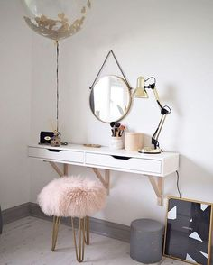 The dressing room is one of the most important areas in any home, specially for women! |www.delightfull.eu #makeuproom #dressingtables #inspiration