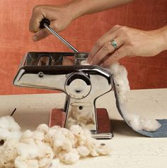 This eBook is full of advice for growing, processing and spinning cotton. Check out an easy way to clean cotton fiber with a pasta maker. *Note that it is illegal to grow cotton in Georgia unless you are certified* Spinning Wool, Hand Spinning, Cotton Gin, Spun Cotton, Growing Cotton, Living Off The Land, Textile Fiber Art, Hobby Farms, Fabric Manipulation