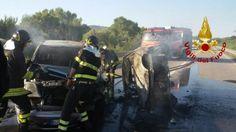 Scontro sulla Bifernina due auto vanno a fuoco