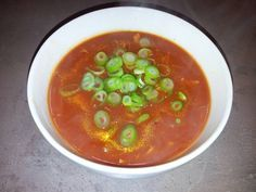 Pittig-zoete tomatensoep. Ik heb al veel recepten geprobeerd, maar deze is net zo als bij de Chinees!