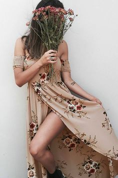Prepare for the holiday! This dress is made from cozy fabric with floral print, off the shoulder design, asymmetric hem. Two color can be chosen.