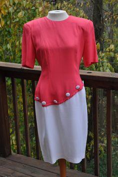 Pink and White Dress. 1940s Fashion Dresses, 1940s Dresses, Day Dresses, Dresses For Work, Pink And White Dress, Rajputi Dress, Easter Dress, Colorblock Dress, Vintage Colors